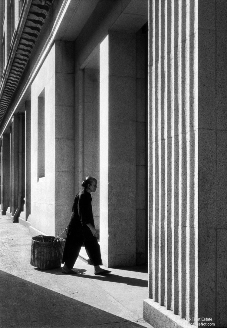 Street Photography Lessons from Fan Ho
